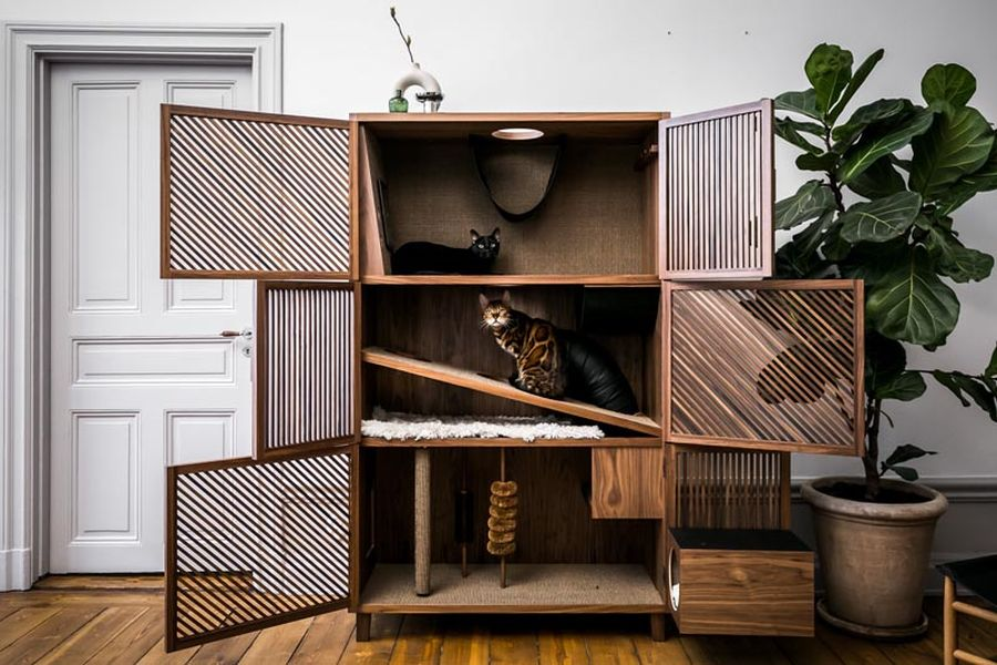 A flat for cats disguised as a cabinet