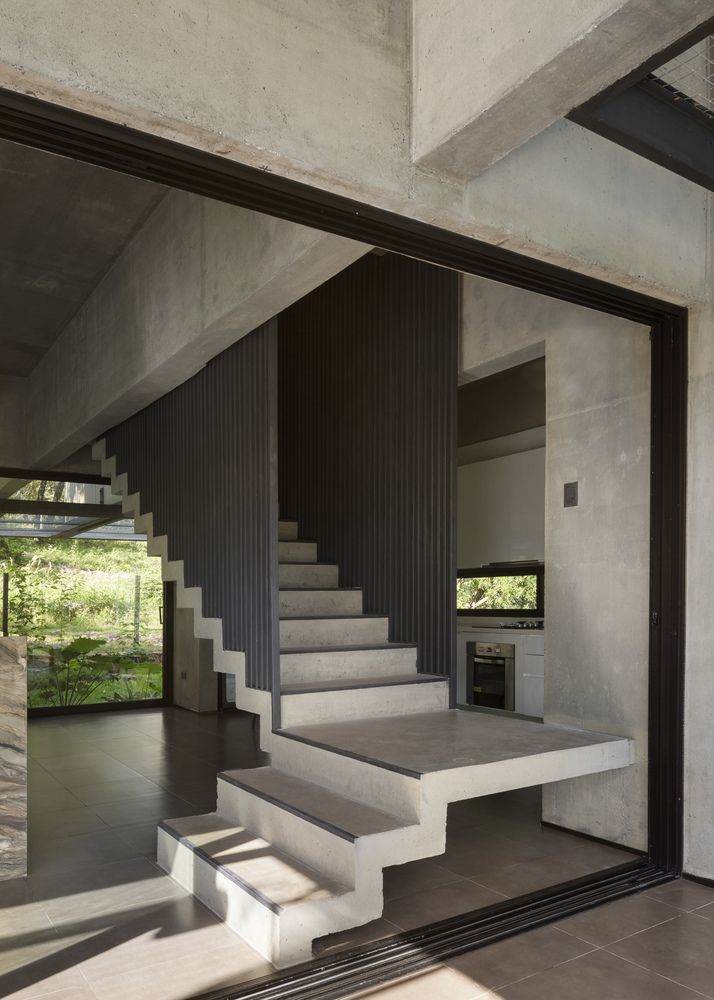 The transition between the different floors is quite seamless and natural