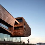 Mobil Arquitectos hotel with cantilevered volume