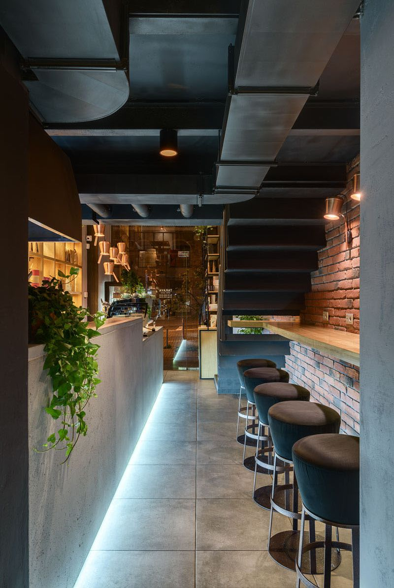 Eye-Catching Coffee Shop Design Ideas That Draw People In
