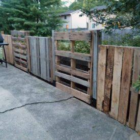 Unfinished pallet fence