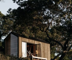 Tiny Cabin Retreat Reconnects Its Guests With Nature