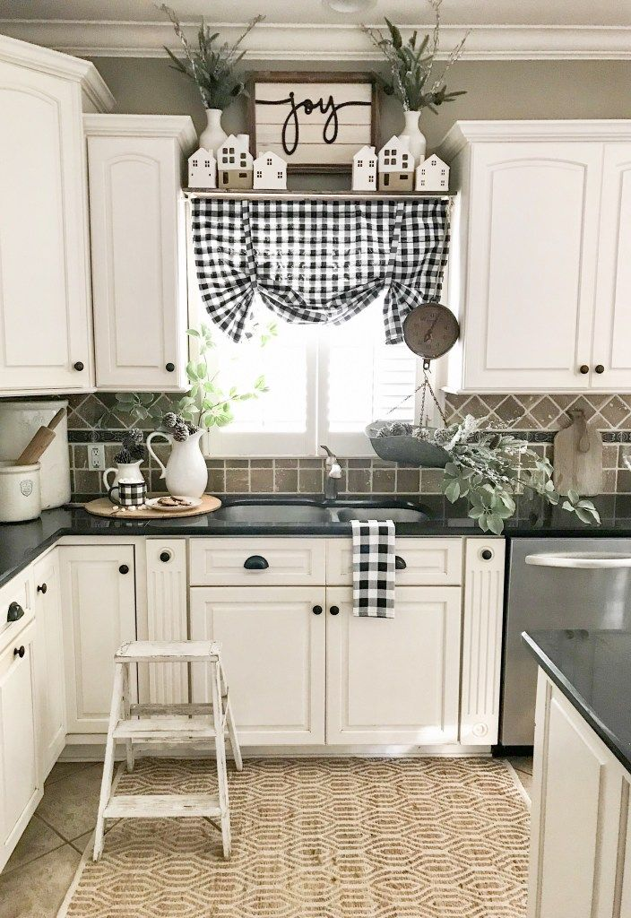 A Dozen Kitchen Decor Ideas That