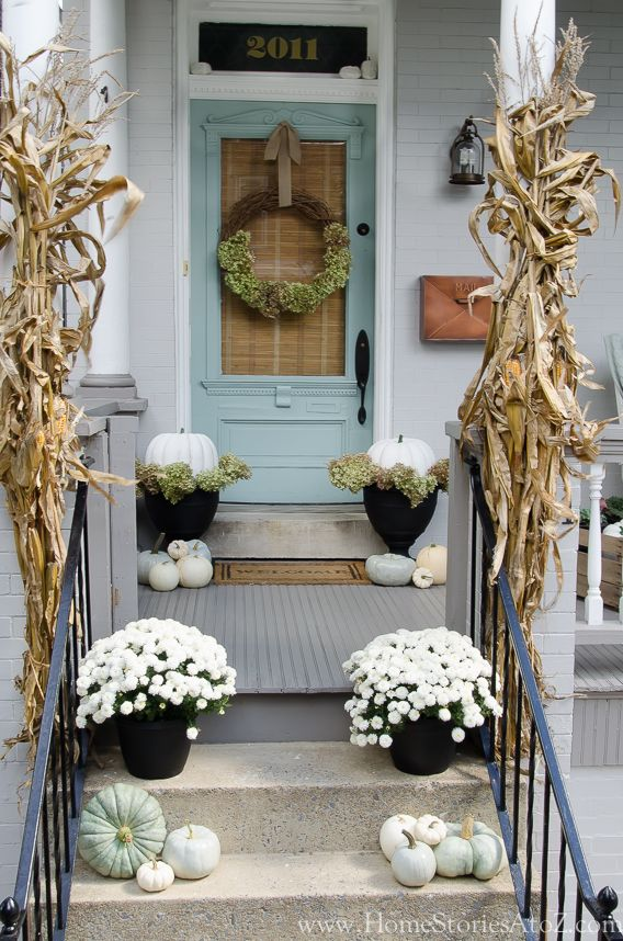 Farmhouse Style Front Door.Farmhouse Front Door Decors That Turn Houses Into Homes