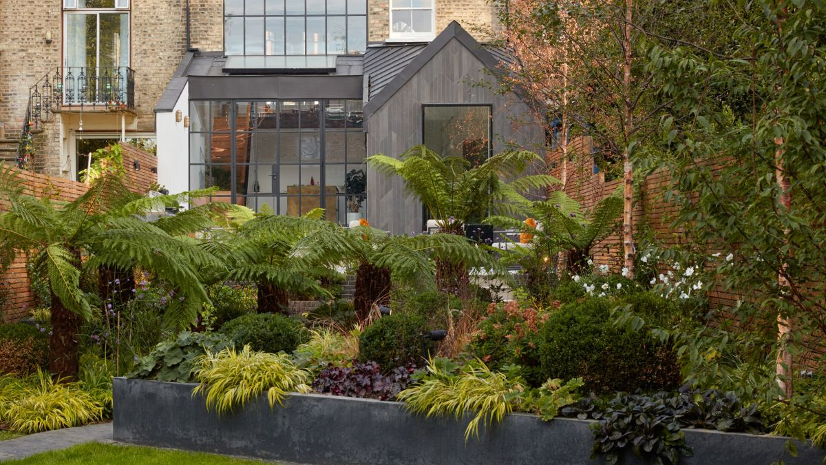 10 Modern Homes In London Disguised As Old Structures