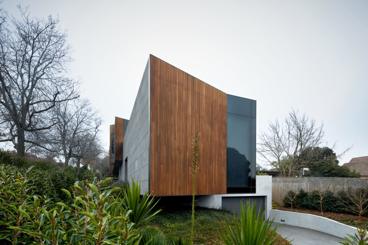 The house was built using local raw materials including stone and timber