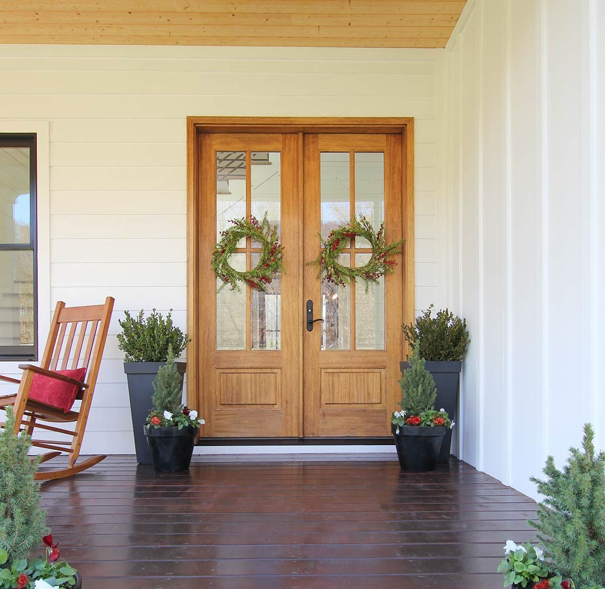 Farmhouse Front Door Decors That Turn Houses Into Homes 954bartend Info