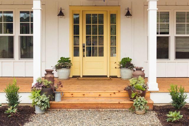 Farmhouse Front Door Decors That Turn