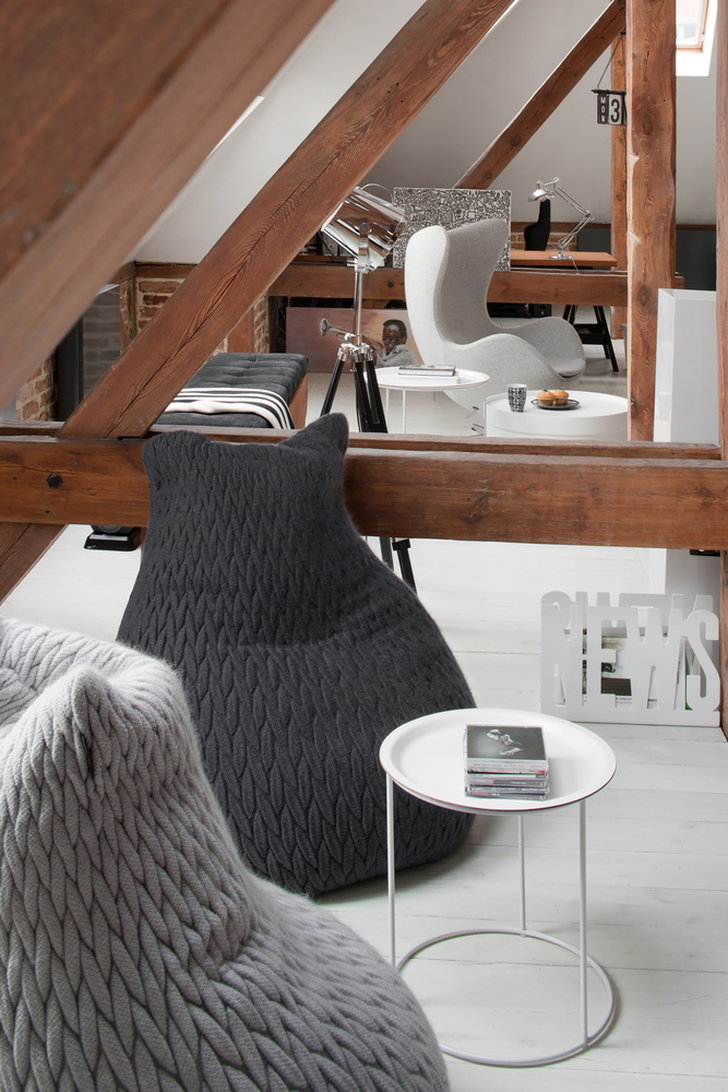 A cozy nook for reading and listening to music was set up on the mezzanine level