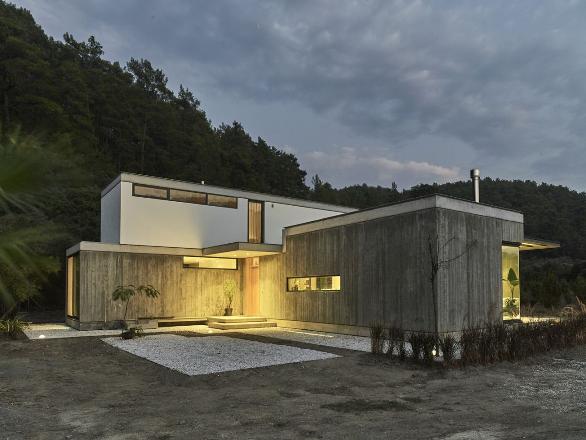 The overall layout of the house is quite unusual and that gives this project lots of character