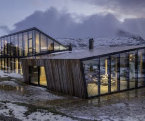 Stunning Norwegian Cabin In Tune With The Sun And Its Beautiful Surroundings