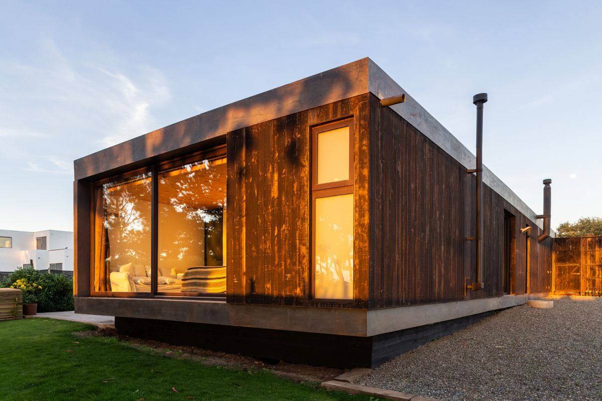 Marvelous Weekend House In Chile Maximized Sunlight And Privacy