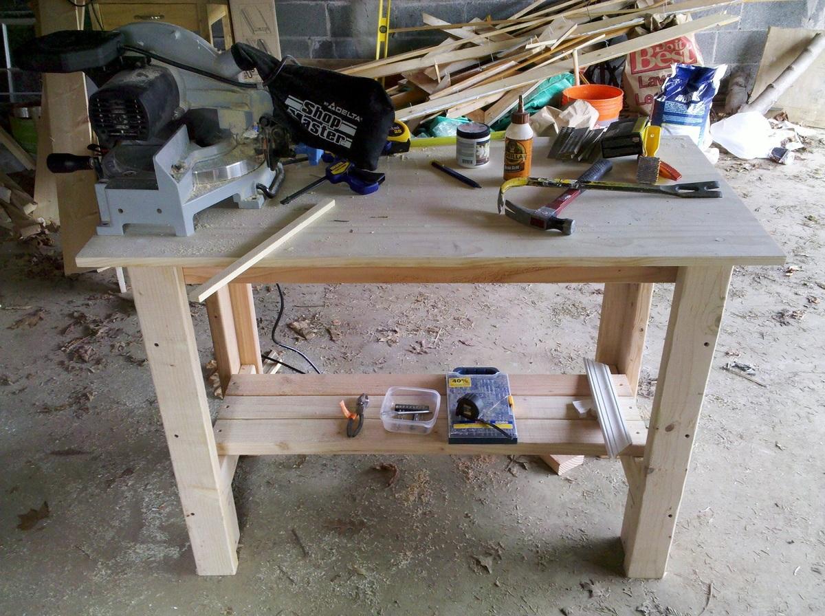 Minimal storage on a simple workbench