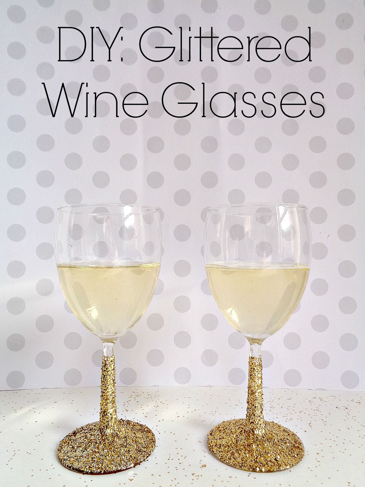 Sparkling wine glasses decorated with glitter