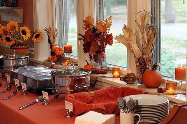 A Bushel of Fall Porch Decor Beauty