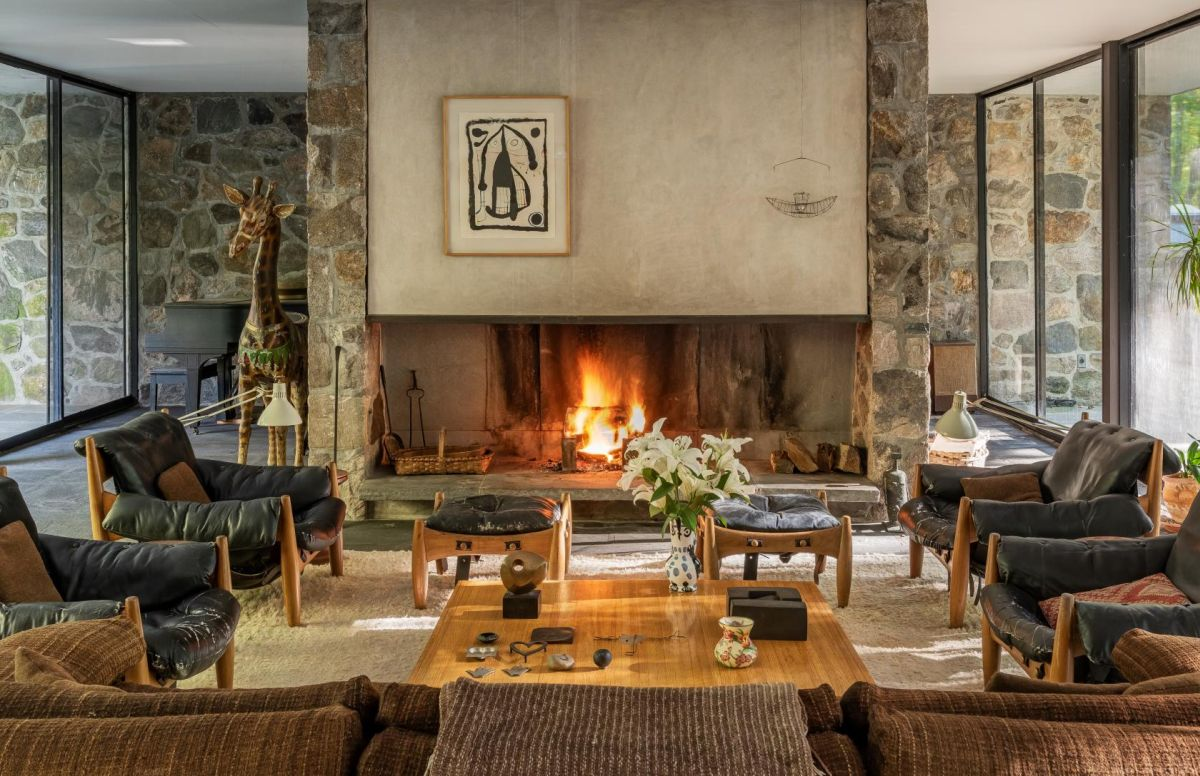 The family wing includes a large and comfortable seating are organized around the fireplace
