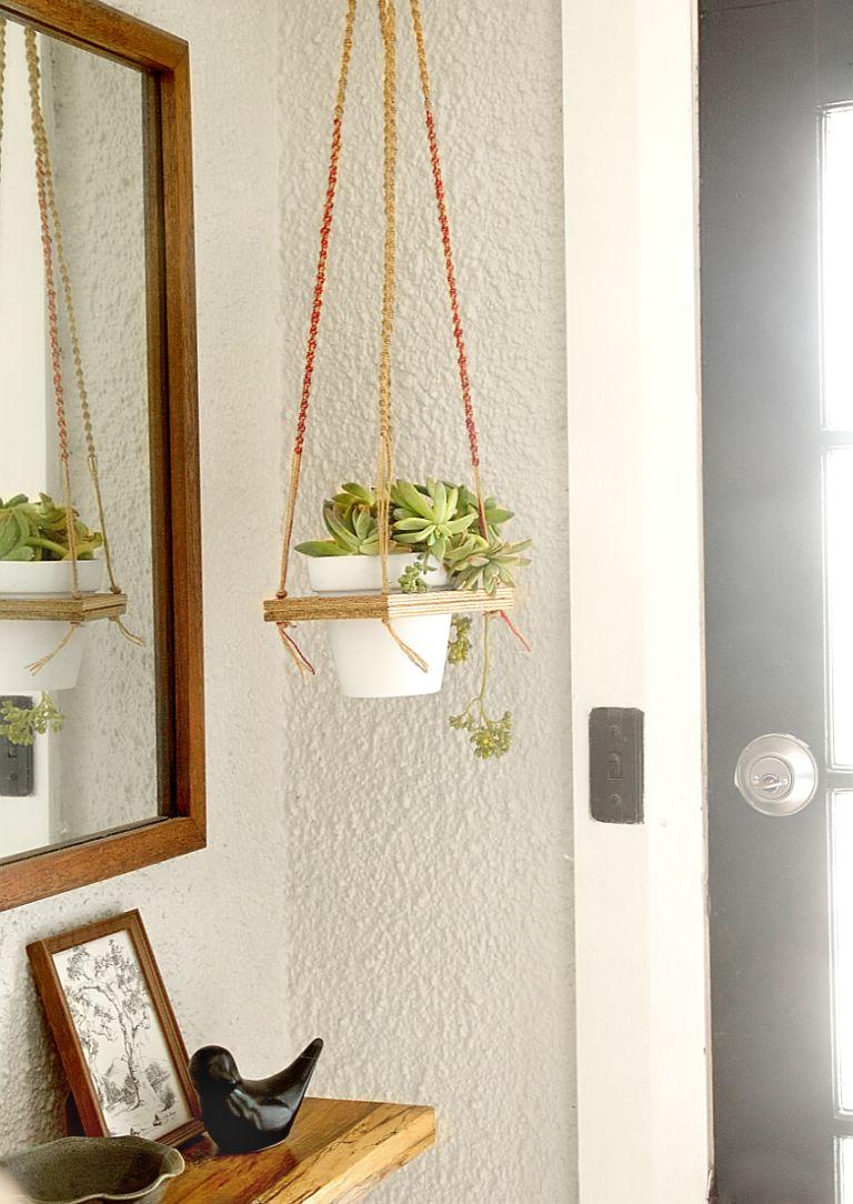 Geometric macrame hanger for planters