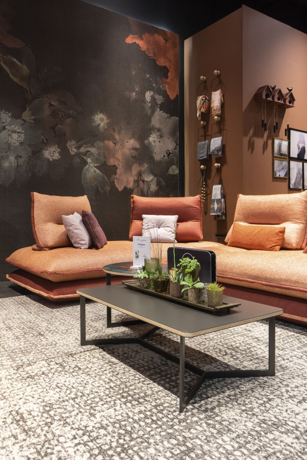 Modern Furniture Pieces That Burst With Subdued Elegance