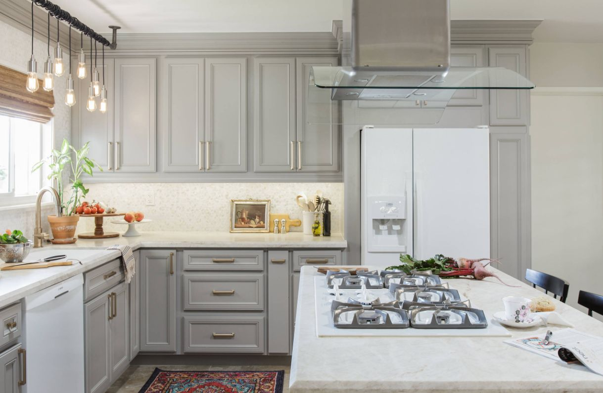 incredible white kitchen cabinets black appliances | How To Get Amazing Results With Black or White Kitchen ...
