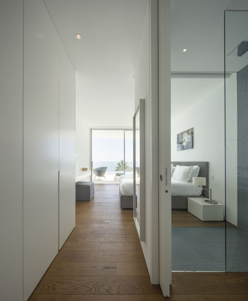 Subtle Nordic hints are noticeable throughout the interior design, especially in the case of the private areas