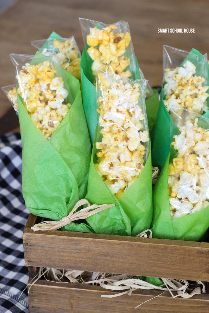 Popcorn Corn on the Cob Décor
