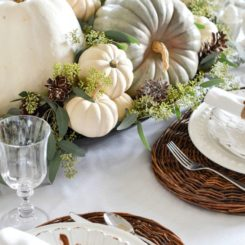 Pumpkin table arrangement for Fall