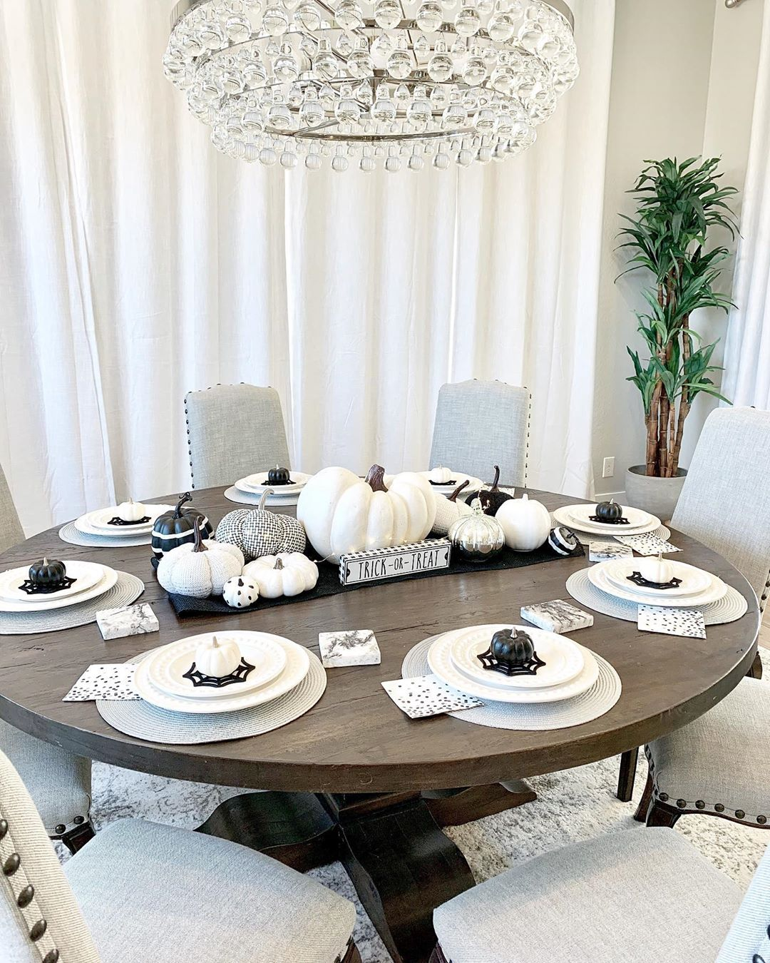White and Black Halloween Pumpkin Tablescape