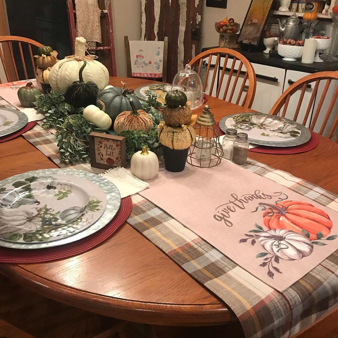 Rustic Pumpkin Display