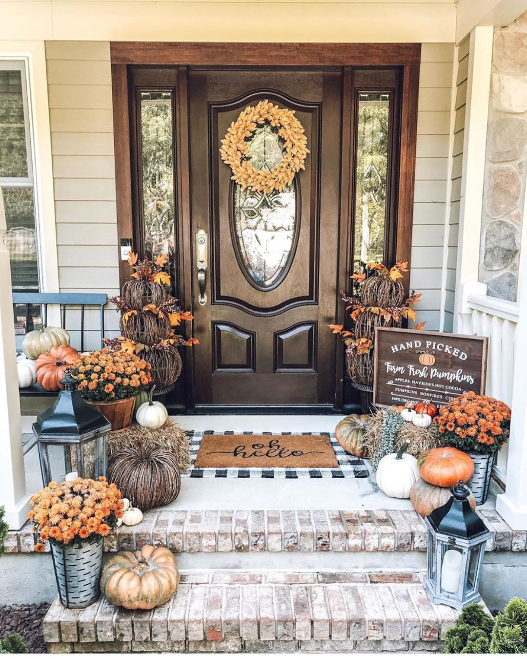 Embracing Fall's Colors in Your Porch Decor