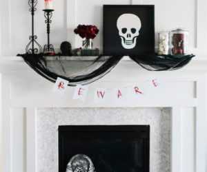 Cool Black And White Decor Ideas for Halloween