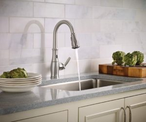 Best Touchless Kitchen Faucet Available On The Market