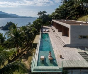 Massive House In Brazil Embraces Its Prime Seaside Location