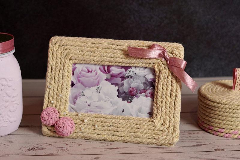 Decorate A Picture Frame With Rope