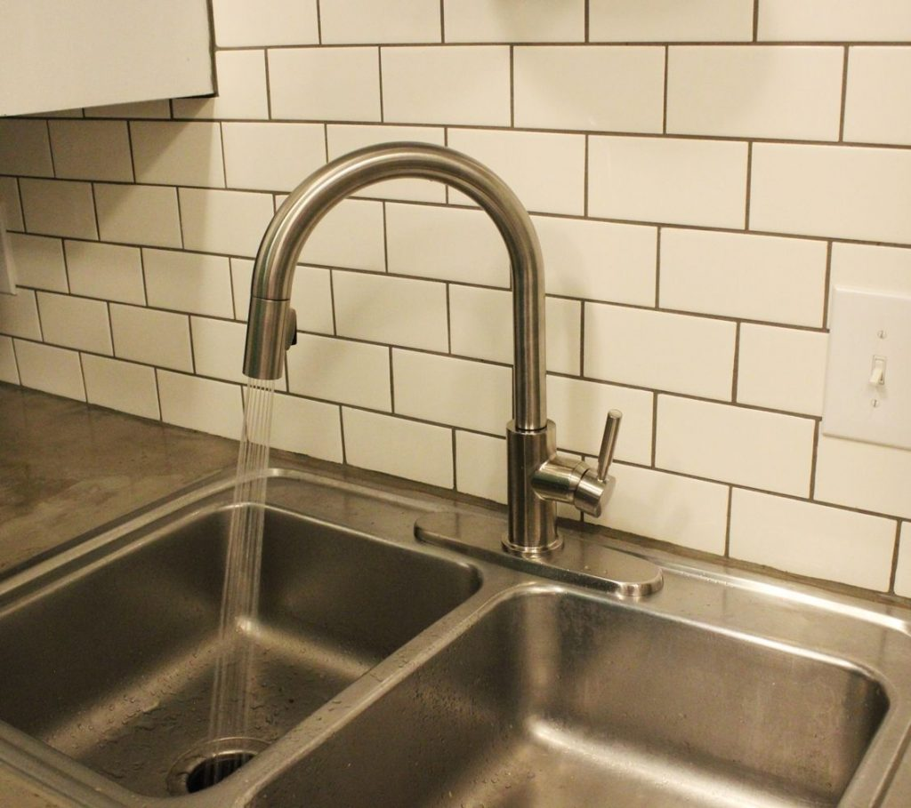 How to install a new faucet