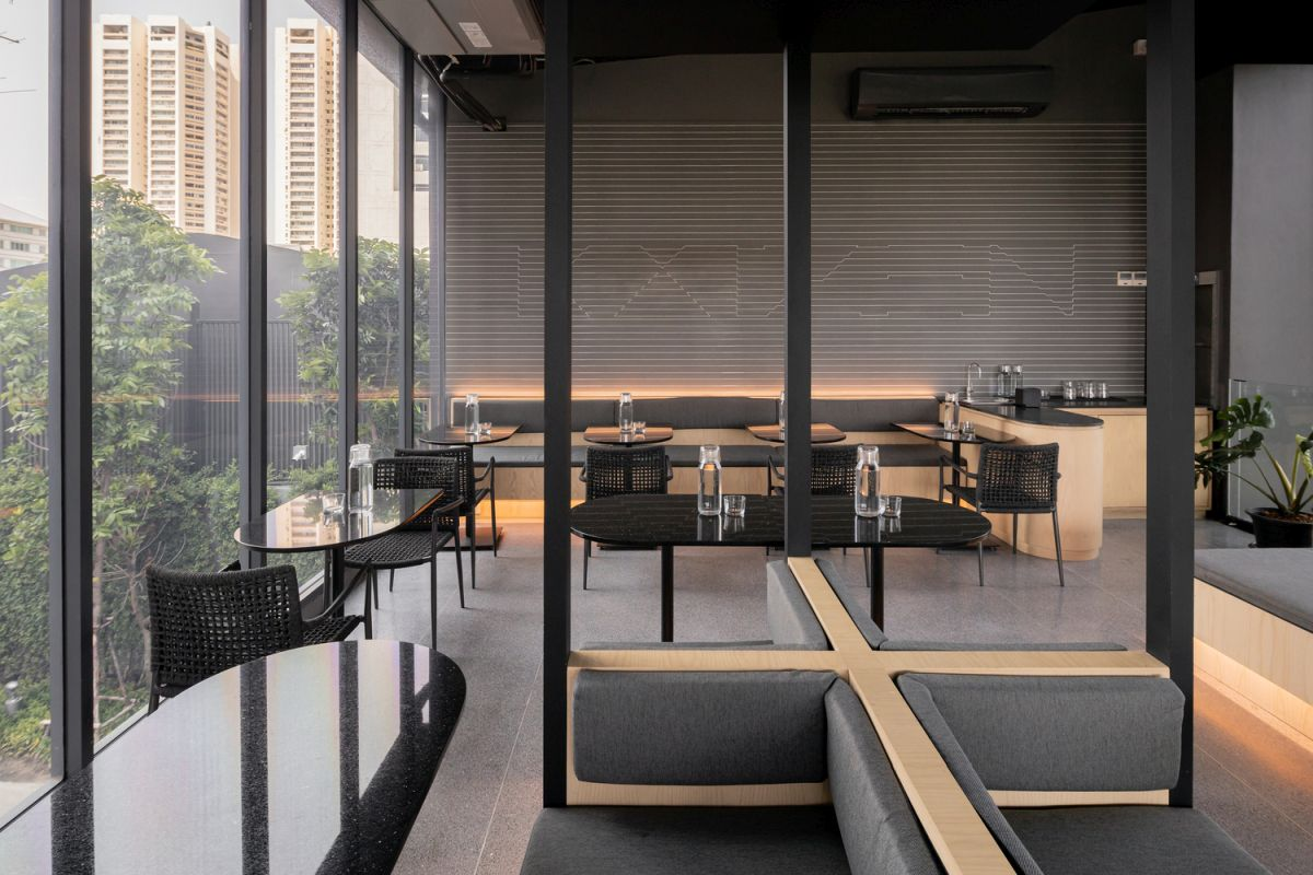 Accent LED lights integrated into the tables and the seats create a very pleasant and comfortable ambiance