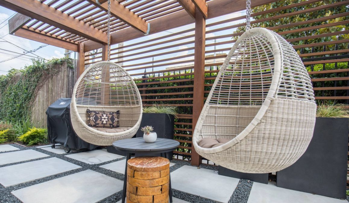 The Best Swing Chairs for Patios, Gardens and Backyards