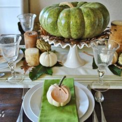 Thanksgiving table decor for fall