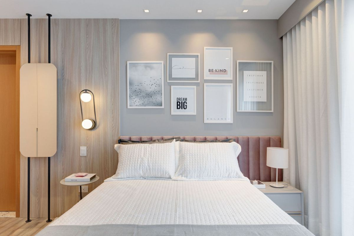 Subtle accent colors bring out the beauty in the decor and give the rooms a sophisticated vibe