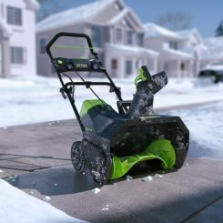 GreenWorks 2600402 Pro 80V 20-Inch Cordless Snow Thrower