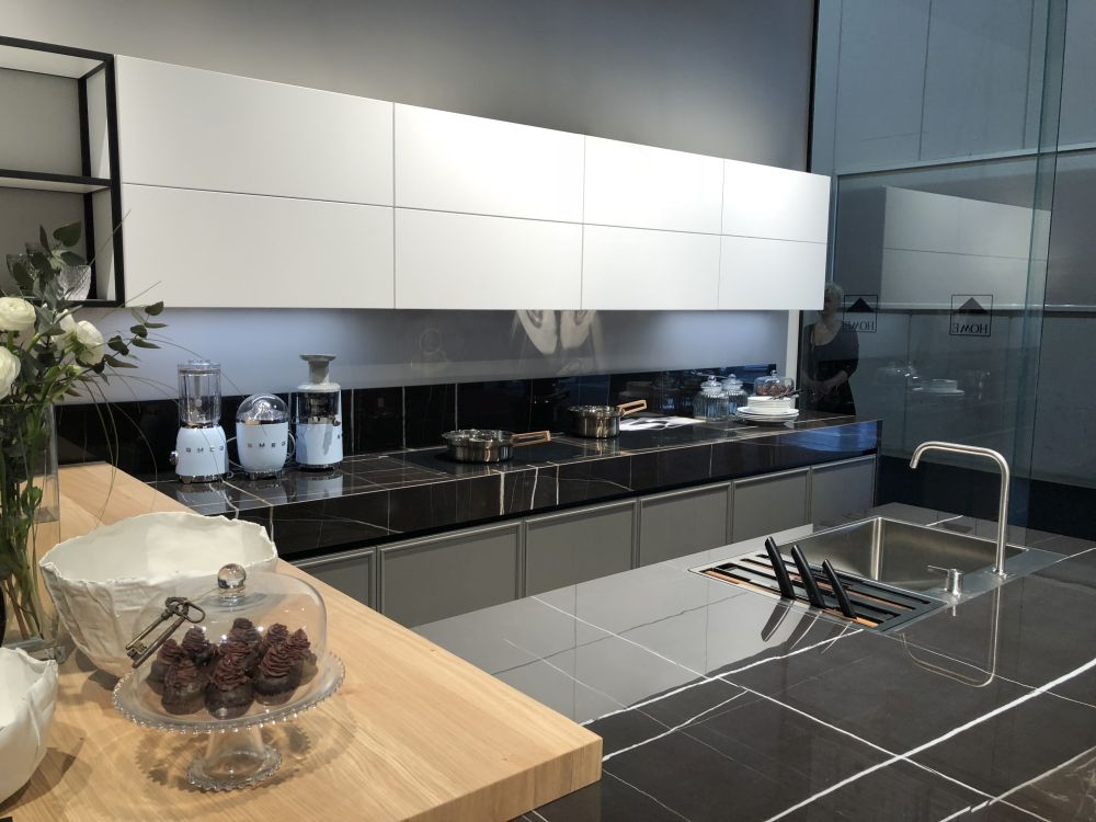 The Versatility Of Black Kitchen Backsplashes And How To Make Most It