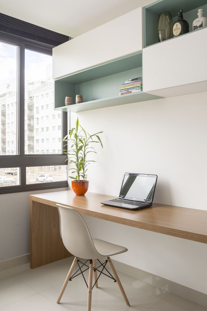The home office can also be used as a guest bedroom whenever necessary thanks to its versatility