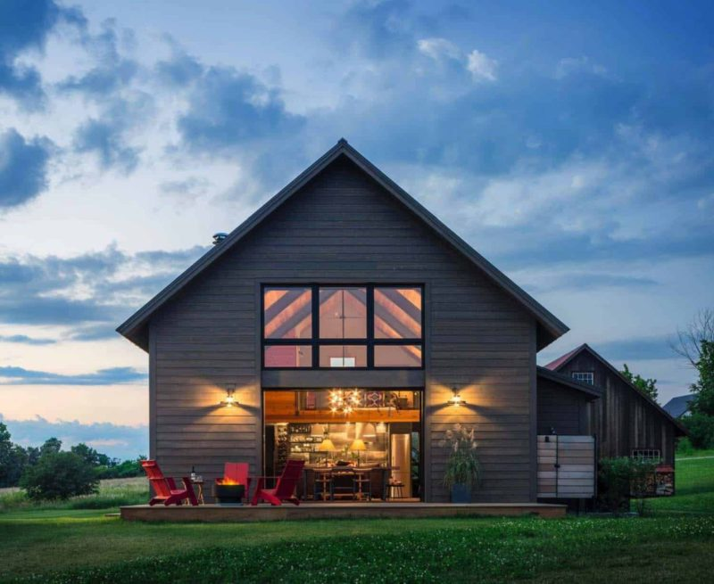 5 Modern Projects That Reinvent The Barn House