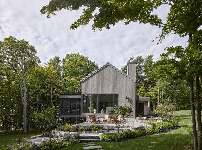 Four-Season Lake House With A Modest Yet Modern Design