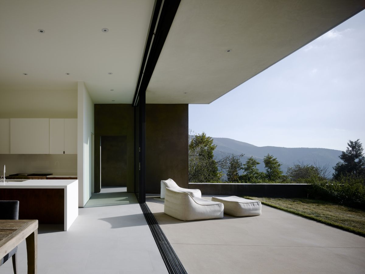 All the major sections of the house enjoy a strong connection with the outdoors, some more pronounced than others