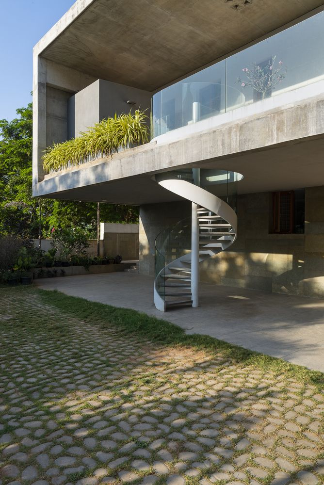 Concrete House With A Zen Garden And Running Water Feature