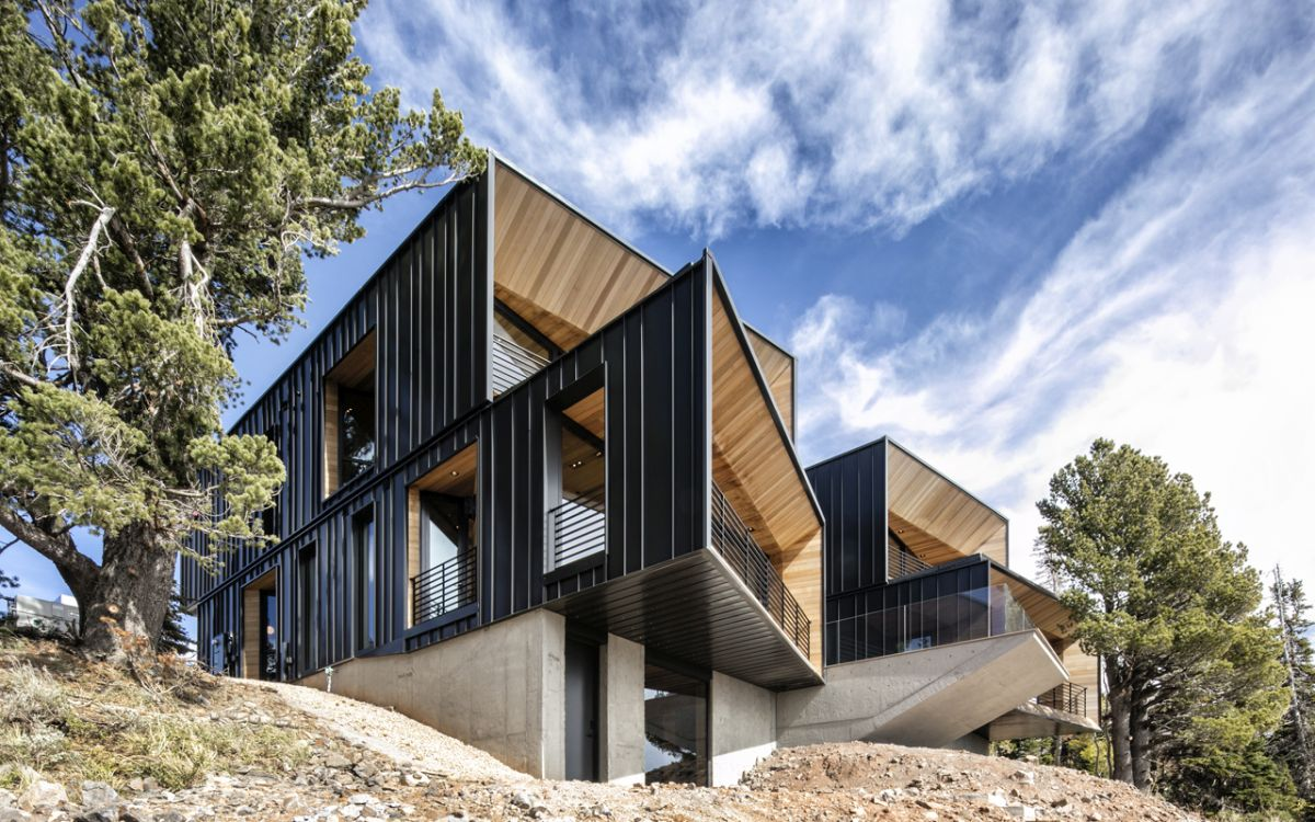 Modern Ski Retreat Follows The Shape Of The Landscape To Blend In