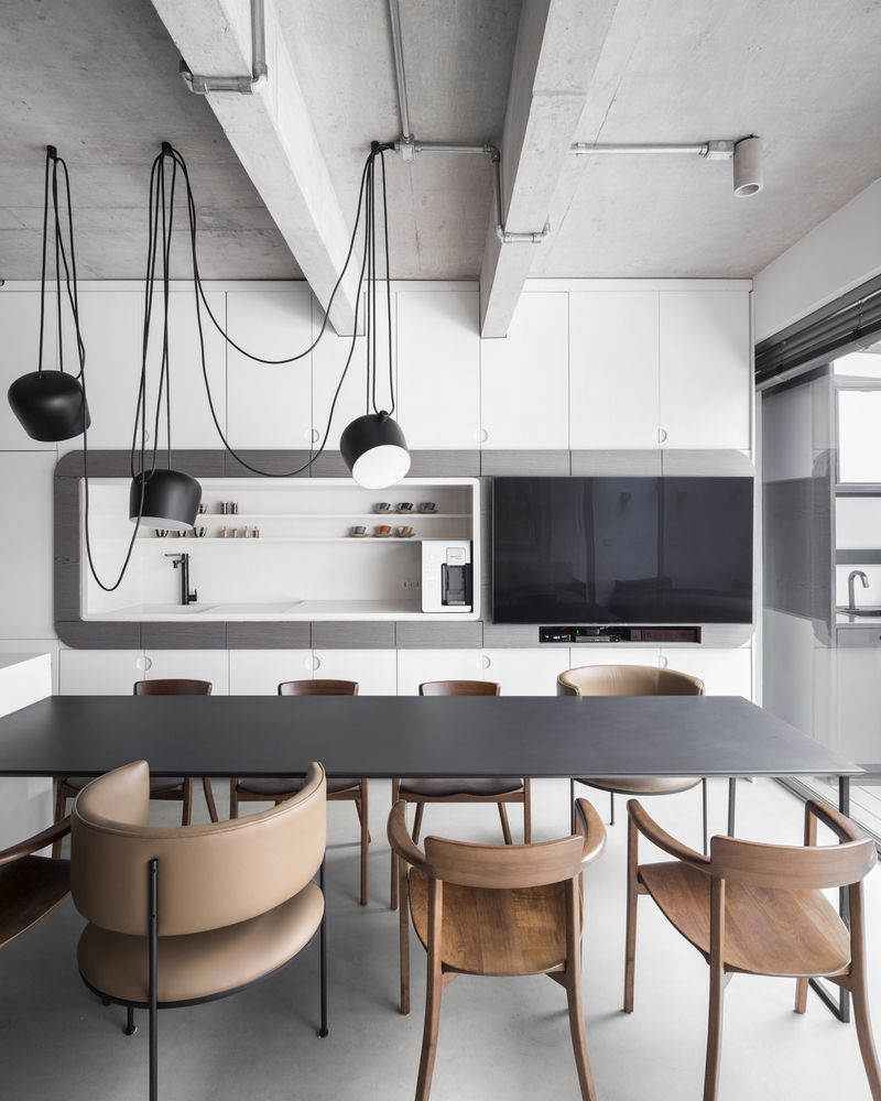 The kitchen, living room and dining area are seamlessly connected and serve as one room