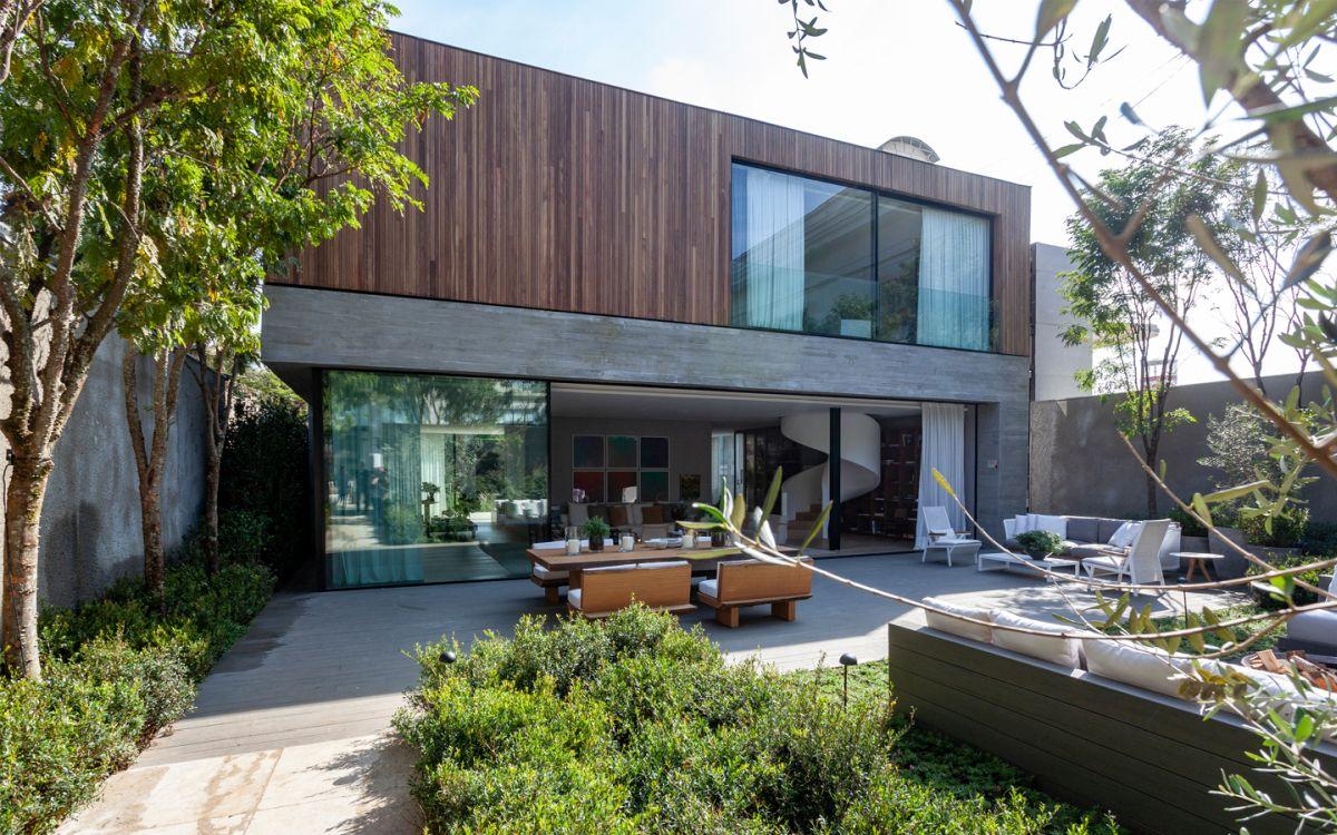 The garden was designed by landscape architect Rodrigo Oliveira