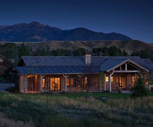 Montana Retreat Features a Well-Designed Bunkhouse for Guests