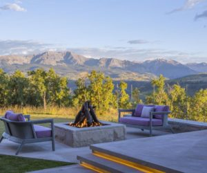 Minimalist Luxury Dominates a Spectacular Rocky Mountain Residence